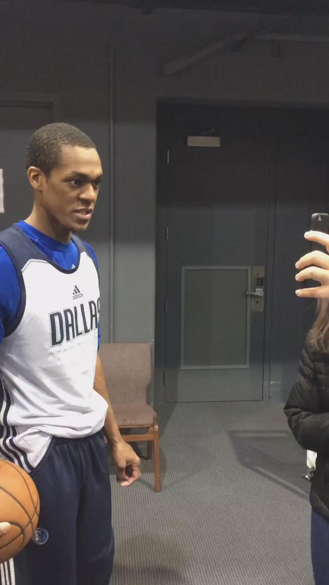 Rondo sees white and gold. http://t.co/QwgYiyICkp