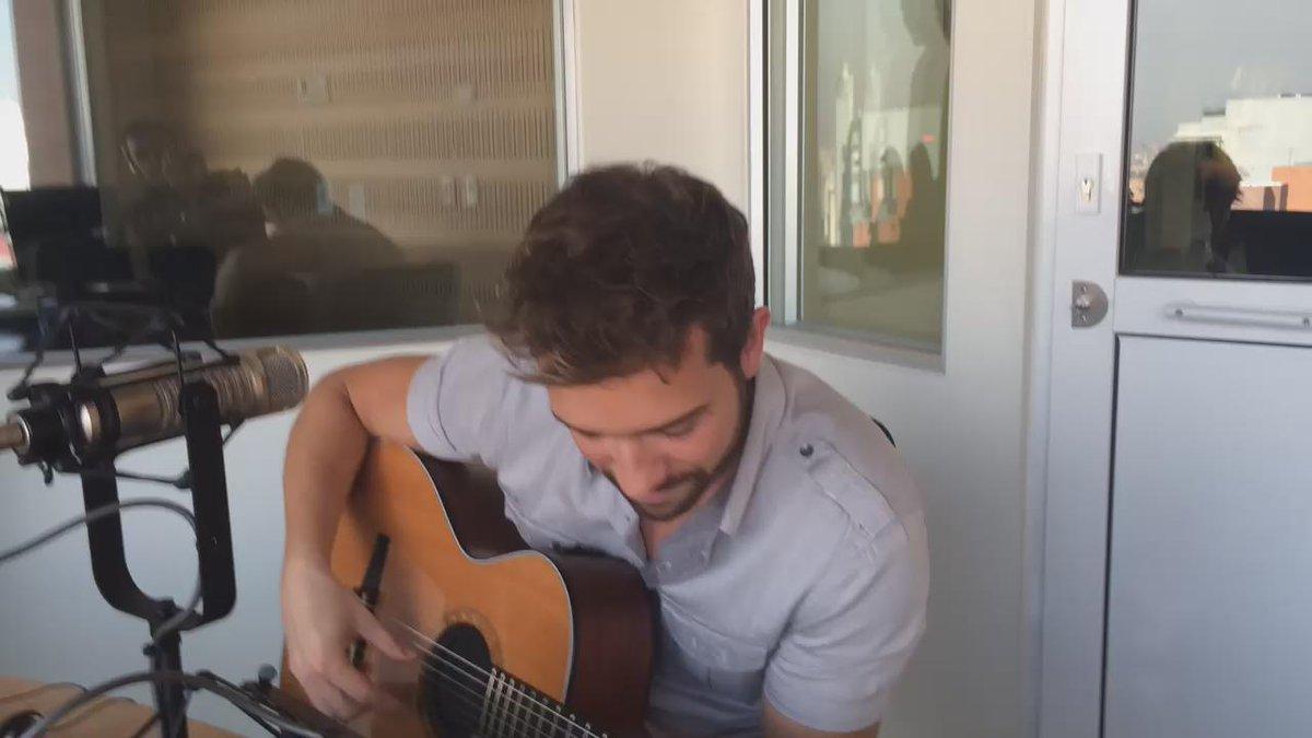 Antes de su primer concierto en Colombia, @pabloalboran en vivo en #Avivir http://t.co/Y6hmiwxtPw