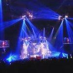 "NEW VIDEO- Ariana performing ""Tattooed Heart"" #honeymoontour http://t.co/InSZFVsprH"