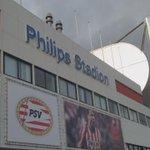 Eindhoven is klaar voor de topper. #psvaja #eendrachtmaaktmacht http://t.co/uMCmZc0kk0