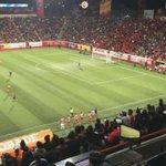 Gran entrada en el estadio Caliente, la afición xoloitzcuintle disfruta del partido con la tradicional ola. http://t.co/2ZnpvnGaKg