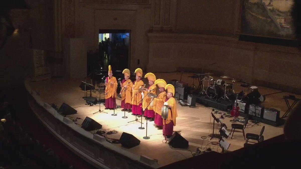 •video•march.5.2015. #TibetBenefit2015 @carnegiehall @tibethouseus #fullmoon #nyc w @ToddMichaelsen @MyPetDragon http://t.co/jxXTafFBgr