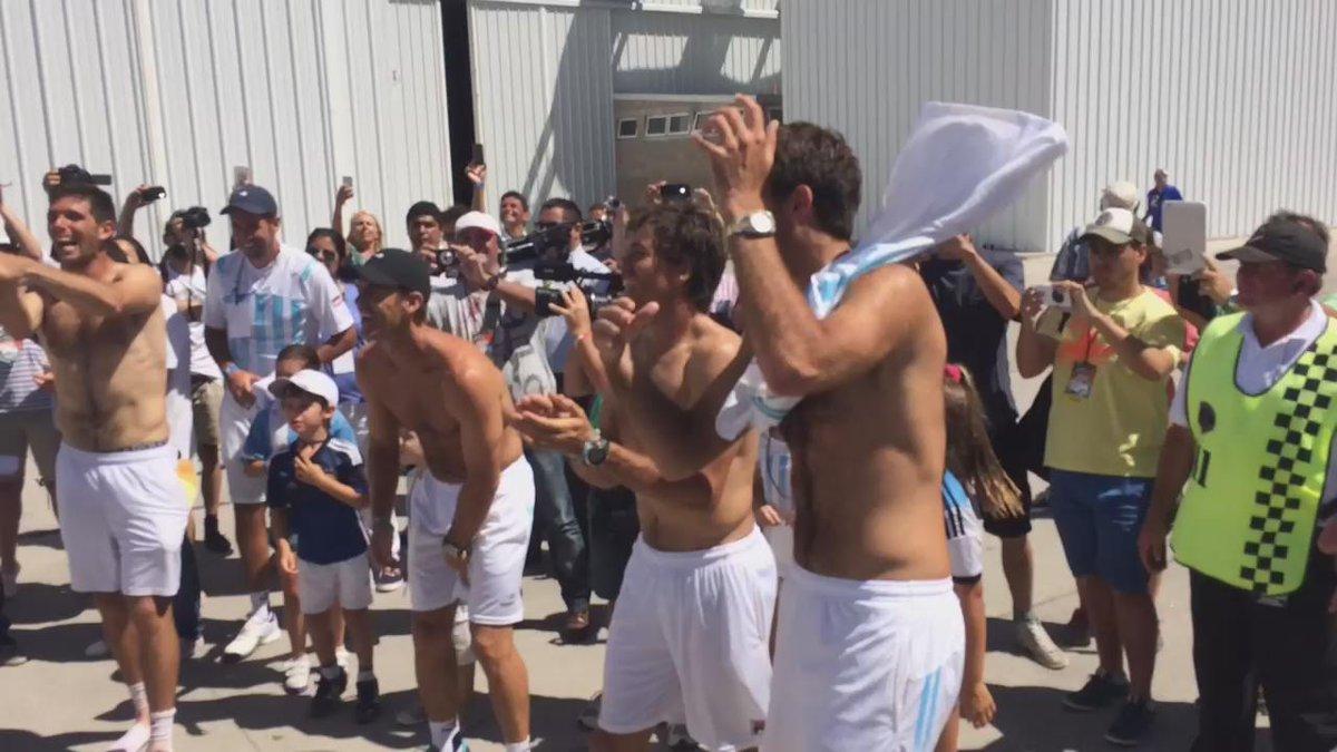 #ARGBRA Argentina está en los cuartos de final de la @CopaDavis y así lo vive el equipo. #VamosArgentina http://t.co/Yqvz9BlTO7