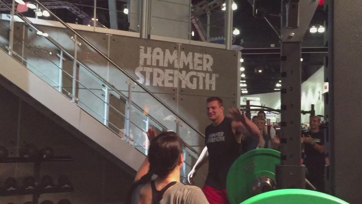 Hi Gronk! RT @LifeFitness: RT @HammerStrength: @RobGronkowski is here working out with our ladies! http://t.co/HKSzh24C30