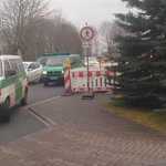 Two police vans arrive at the home of Germanwings co-pilot Andreas Lubitz in town of Montabaur. More #r4today http://t.co/ReJjOHaOFt