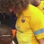 A blind kid guessing Barcelona players by touching them. Amazing!!! #Respect  http://t.co/qWWVkQn6XQ
