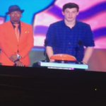 SHAWN GETTING SLIMED http://t.co/jusybrSCL7