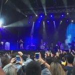 Pitty tira o quimono, ouve gritinhos histéricos e canta Me Adora #vejaspaovivo #lollapalooza2015 http://t.co/FSvct2DPWD