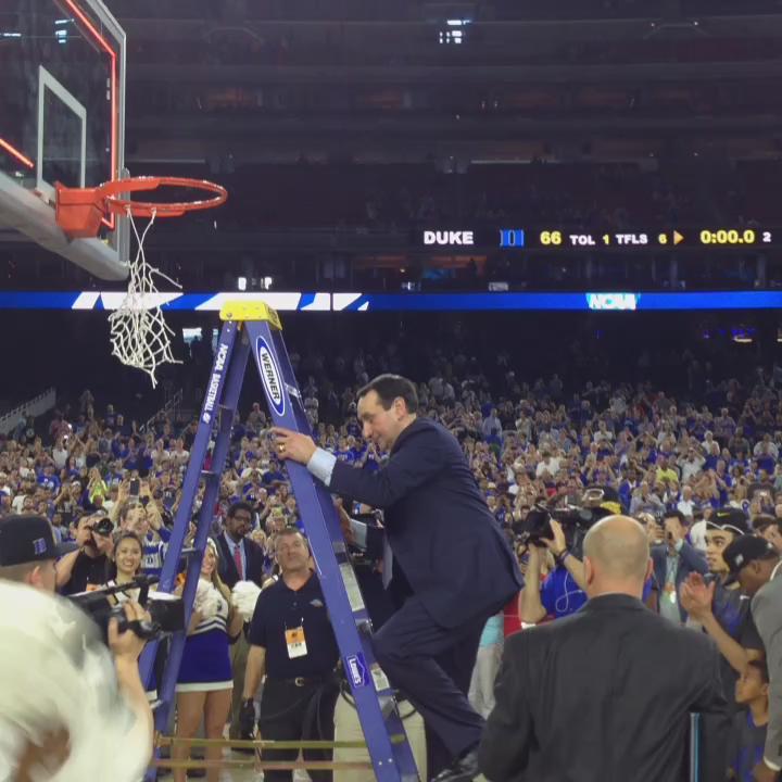 Coach K #Duke #cuttingnet #FinalFour http://t.co/d5DWJQ0WU0