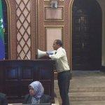 Majlis deputy speaker Moosa starts majlis among chaos. http://t.co/SHs5jRe7vK