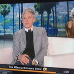 Ellen wspomniała dziś w swoim show o odejściu Zayna (1/2) via @Marcepanowaa http://t.co/It8hxt0OAk