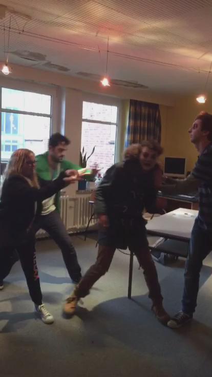 PhilLaude (@DaPhilPhil): Anti-Mobbing-Koffer - Der Film starring @dagibee @freshtorge und @Y_TITTY_OG auf Snapchat: Philphiliam http://t.co/4FvQgBIKIy