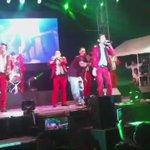 Éxito total @adictivaoficial en el escenario del #ForoDeLasEstrellas #FeriaNacionalDeSanMarcos #VivaAguascalientes http://t.co/CrgMScvZn3