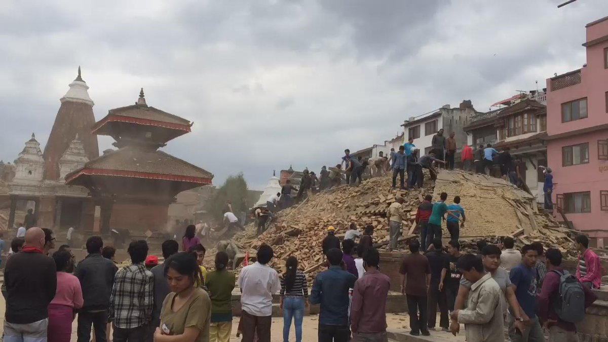 Kathmandu temples destroyed by earthquake. http://t.co/CwvAZVsiER