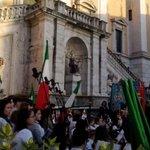 E le note di #BellaCiao si alzano anche in Campidoglio #ilcoraggiodi @70esimo http://t.co/nc08JMxo4z
