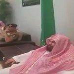 ضابط في الجيش الإماراتي المرابط .. يلقي أبيات شعرية امام الشيخ عبدالرحمن السديس #السعودية #الامارات #إعادة_الأمل http://t.co/xiul1u7V3K