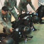 【悲報】在日米軍の指導を受けるも英語がわからずどうしていいかわからない自宅警備隊 #超会議2015 http://t.co/ZlX9TrEoKE