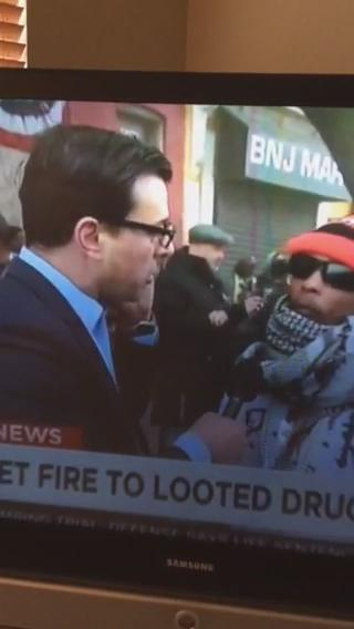 Live on @CNN Someone cuts water hydrant to the fire... #SendintheTroops http://t.co/xMUdt2TmGr