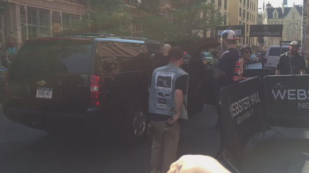And @MattBellamy @Dominic_Howard and @CTWolstenholme arrived #WebsterHall http://t.co/9fptwqEITv