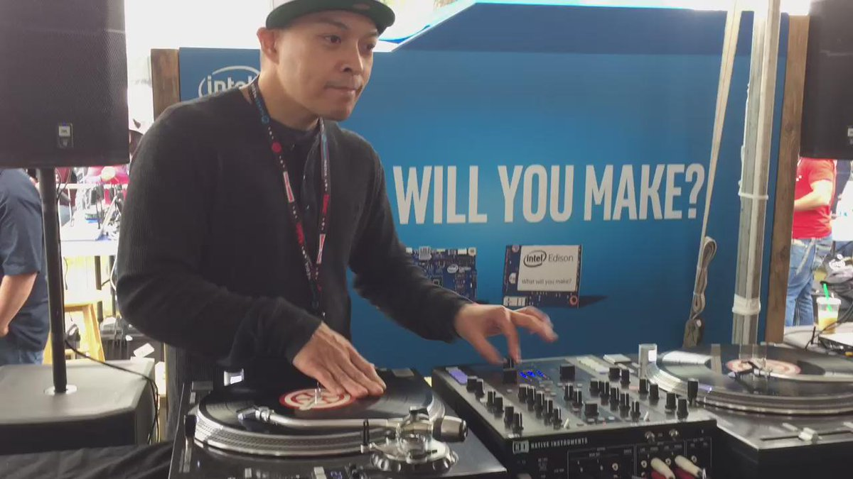 Up front watching @DJQbert scratch at Intel's space at #MakerFaire #MFBA15 http://t.co/f1LWEBAooh