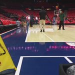 Getting the floor squeaky clean for tonighy. #Hawks #TrueToAtlanta http://t.co/BPCO55Lie6