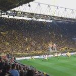 ¡Maravilloso!  Así despide la afición de #BorussiaDortmund a #Klopp  ¡Siempre se lucen!  http://t.co/ZCatb2aE6Y