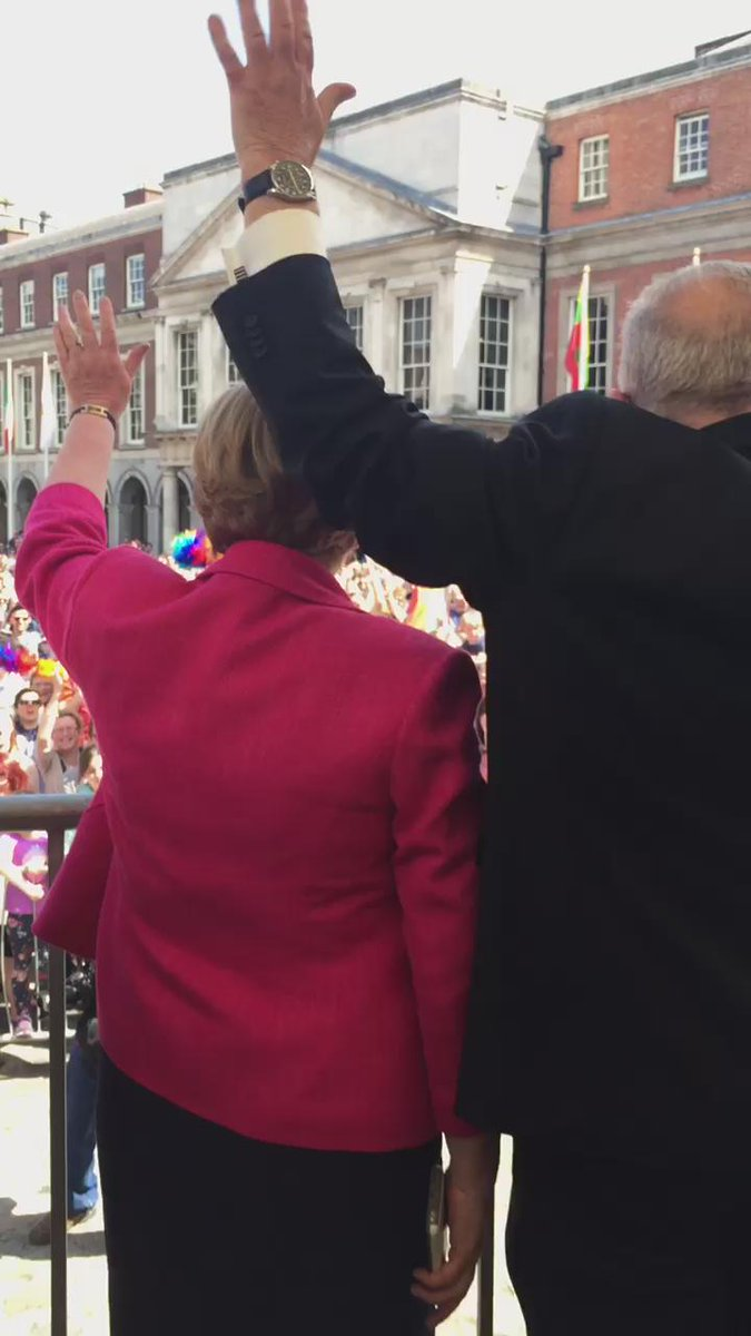 What an atmosphere at Dublin Castle #MarRef http://t.co/pLQO7Jniqo
