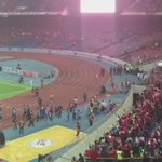 6,000 @FAS_LionsXII fans continue to celebrate their win tonight at #MalaysiaFACup http://t.co/6vwHZxIPr2 http://t.co/YMZ5tWdt9X