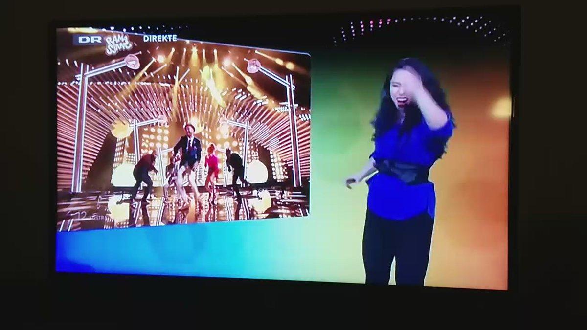 Danish TV is simulcasting #eurovision in sign language! It's absolutely amazing! #escdk #drgrandprix #aus http://t.co/fDxGuG3AV3