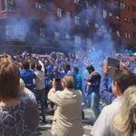 """Aficiones del Oviedo y Cádiz en el centro de la ciudad horas antes del partido http://t.co/E7JWcd7Zz9"""""""