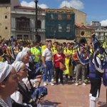 Oviedo es AMARILLA #oviedoamarilla @nacholimonlara @hugoalbertovaca @mirianperaltag @ocadizdigital @submarinoOC http://t.co/FwwPeV2aRY