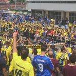 @tjcope así se vive la espera de los equipos en Oviedo #oviedoamarilla http://t.co/L026CbkWVw