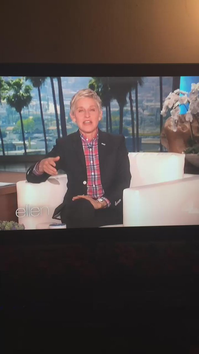 """Hahaha """"@mariesanchez: @TheEllenShow mentioned you being the only man that can pull of a ponytail! http://t.co/Too0FlUwur"""""""