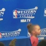 LMFAOO RILEY CURRY RUNS SHIT UP THERE, MAKING THAT DUDE HOLD HER GUM BEFORE SHE STARTS PLAYING HIDE N SEEK http://t.co/okA8UIiAMq