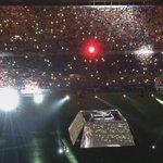 Himno del Sevilla los pelos de punta canta el Arrebato en el Pizjuan BRUTALLL http://t.co/m67E5d7Wng
