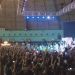 Filipino fans singing No Control during #THREEnitySummerBlast ???????????????????????? http://t.co/n1o49QU3C6