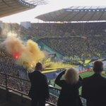 Pyro auf der einen, schöne Choreo auf der anderen Seite. #BVBWOB #DFBPokal http://t.co/5BEakOmsS5