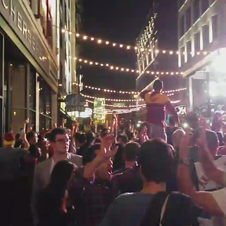 This crowd & @espn has @e4thst CRAZY #NBAFinals http://t.co/6D1tP2pXui
