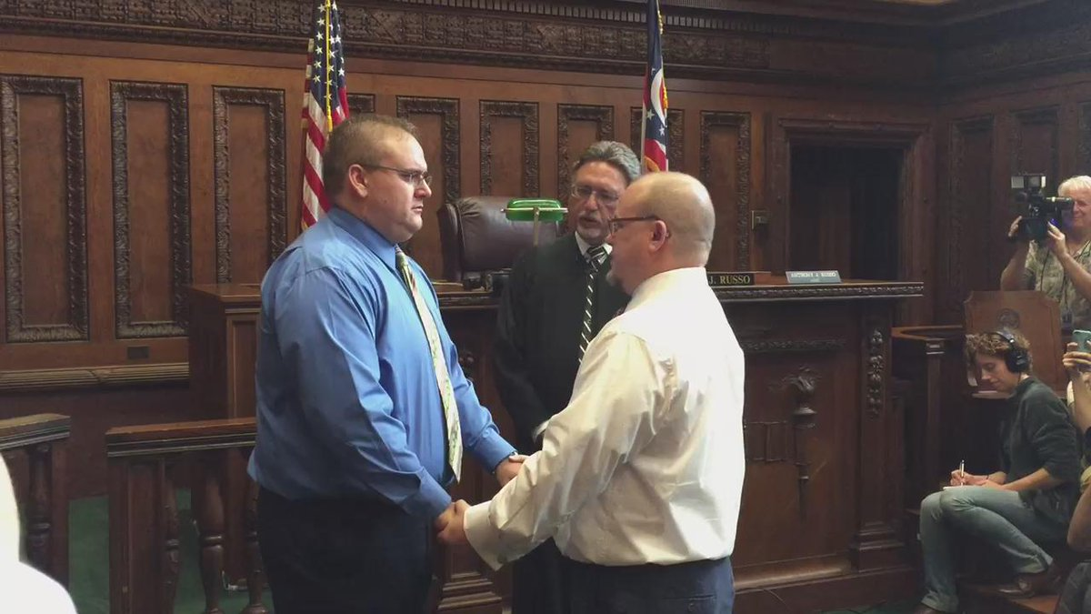 Cleveland's first #samesexmarriage ceremony.  #MarriageEquality #LoveIsLove CONGRATULATIONS!  @fox8news http://t.co/s26RrLMoqF