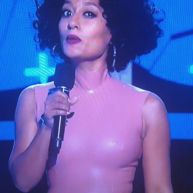 """""""@MoreAndAgain: Ms. Ross. You my people for this http://t.co/3OgSoRco7X"""" I love her brand of awkwardly classy shade."""