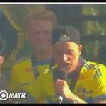 [#Suède] Quand Guidetti met le public Suédois en transe ! http://t.co/dWdKfginVi
