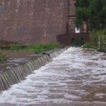 Otra panorámica del desfogue en la presa San José #SLP http://t.co/JgOuqd2Txu