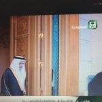 #الملك_سلمان حفظه الله يستثمر وقت الرحلة في السيارة بين #جدة و #مكة المكرمة في قراءة القرآن #خادم_الحرمين_الشريفين http://t.co/uhn847Ls84