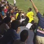#فيديو ابراهيم هزازي يتهجم ع مشجع في دوري البنك الاهلي !! http://t.co/uIm3Pim1jp