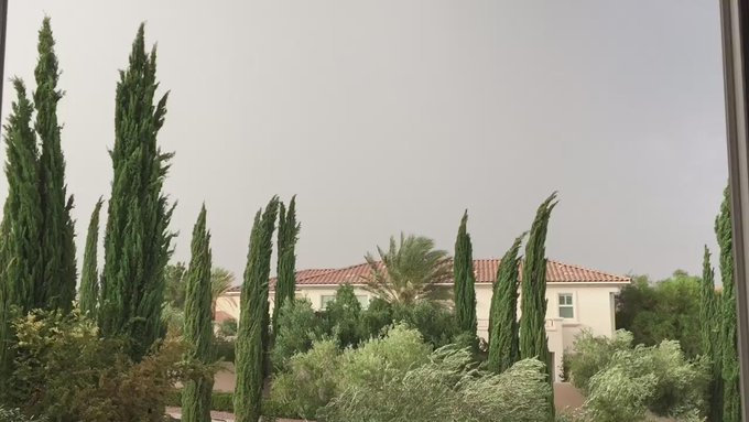 It's crazy weather right now at my house. #loveit #vegasweather #storm #vegasnights http://t.co/U9eE