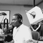 Awwww @MeekMill says he wishes @NICKIMINAJ was pregnant!! ???????????????????????????? http://t.co/nZNyTn9Snb
