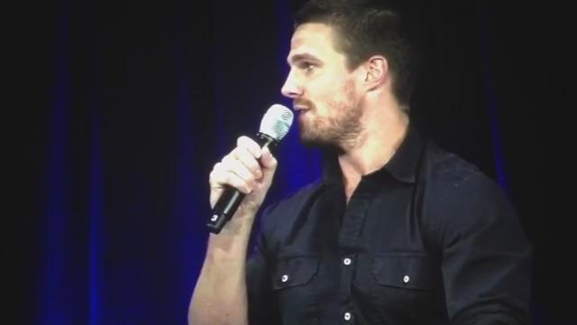 STEPHEN SINGING IS EVERYTHING http://t.co/9ZSryomsSQ