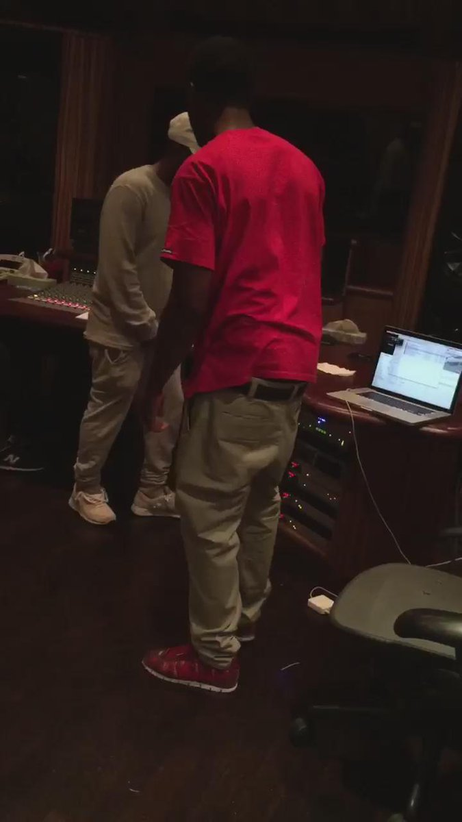 @jayrock shit sounding Krazy... He press play on @kendricklamar in the studio last nite... Let's go champ! #TDE http://t.co/QJJcHrFc1Q