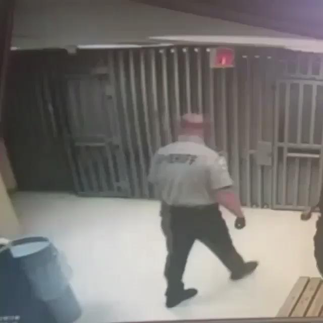 Is this cop trying to act cool throwing something away, or is he hiding something? #JusticeForSandraBland  http://t.co/1UYCehhRq1