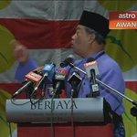 Pls viral the truth why TS Muhyiddin was sacked by @NajibRazak ... #TSMY wanted Rakyat to be told the truth abt #1MDB http://t.co/UiXNk4ecZO